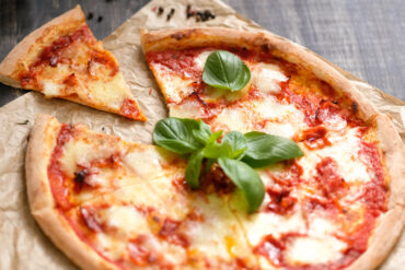 Eine leckere Pizza Magherita in Uelzen essen.