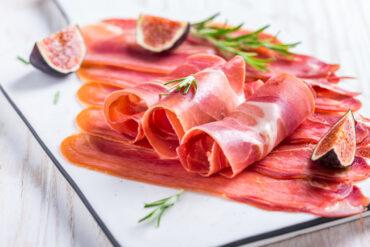 Leckeren Serranoschinken in Uelzen essen.