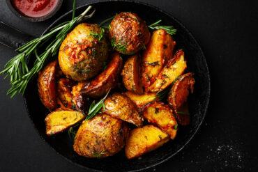 Leckere Rosmarinkartoffeln in Uelzen essen.